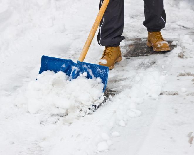 Shovel_Snow_Like_the_Pros.jpg